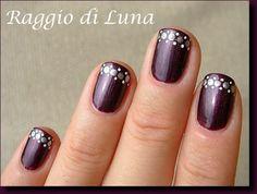 Raggio di Luna Nails: Silver & white dots on Plum Noir