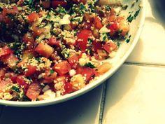 Tabulé: la ensalada árabe más famosa I Love Food, Deli, Salads, Food And Drink, Veggies, Favorite Recipes, Lunch, Healthy Recipes, Snacks