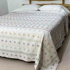 French Linen Bedding Online - Flax Linen Bedding - Yummy Linen provides Linen sheets, quilt covers, eco cotton natural fiber bedding Queen Quilt, Queen Size Bedding, Linen Sheets, Linen Bedding, Embroidered Bedding, Kantha Stitch, Beds Online, Kantha Quilt, How To Make Bed