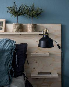 Diy Storage Headboard, Headboard Designs, Tiny House Cabin, Upcycled Home Decor, Bedroom Green, Headboards For Beds, New Room, Home Decor Bedroom, Bed Design