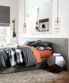 Awesome 20+ Modern Bedroom Decorating Ideas For Men. More at https://www.trendecora.com/2018/04/03/20-modern-bedroom-decorating-ideas-for-men/