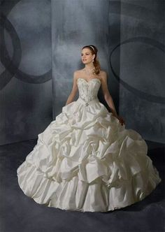 [I like the bodice and belt--nicely done. The skirt looks like a wedding cake.] Princess