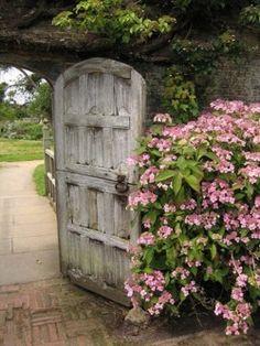 dutch garden door... I like this as a back door in the kitchen..