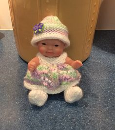 Berenguer Itty Bitty 5 inch doll 2015 Knitting Dolls Clothes, Knitted Dolls, Doll Clothes Patterns, Doll Patterns, Crochet Clothes, Clothing Patterns, Crochet Hats, Knitting Patterns Free, Baby Knitting