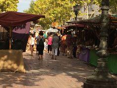 #SQVdeFesta El mercat hippy comparteix amb el Mercat Ecològic els carrers de #SQV