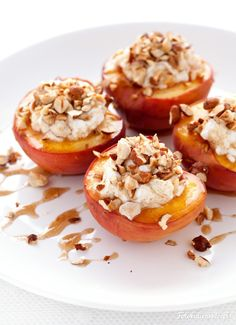 Grilled peaches with ricotta, hazelnuts and honey cinnamon sauce Grilled Peaches, Honey And Cinnamon, Ricotta, Grilling, Deserts, Muffin, Dessert Recipes, Sweets, Chocolate