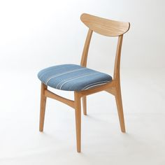 50's北欧家具のものづくりがお手本。「いいもの、ずっと」をコンセプトに、京都の家具職人が作るオリジナル椅子。 Original Chair 『pint-F(オーク)』 張地はデンマーク製の生地。