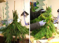 Vianoční škriatkovia z vetvičiek a machu Pallet Christmas Tree, Outdoor Christmas Decorations, Plaid Christmas, Christmas Balls, Xmas Tree, Christmas Wreaths, Christmas Crafts, Easy Diy Crafts, Diy Craft Projects