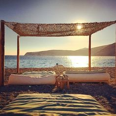 Put your #mind at #peace at our purpose-built #outdoor #headspace! It comes with the #golden #beach territory. Don't forget to check yr worries at the entrance! #instagood #cocomat #serifos #instagreece #bed #sleep #sleeponnature #instasleep #nature #summer #sun #sunset @sydneymediaproduction