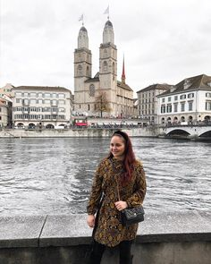 CHLOE.ROXANE - Travel : Discover Zurich, Switzerland. If you visit Zurich, you should make sure to go see the Niederdorf with its beautiful church and cobbled streets. My outfit is a snake print dress, black overknee boots and a Night&Day bag by De Marquet. Go See, To Go, Visit Switzerland, Snake Print Dress, Day Bag, Day For Night, Zurich, Over The Knee Boots, My Outfit
