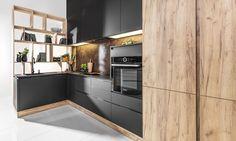 ATLAS KUCHNIE. VIKA II - Vika dąb miodowy, Olivia akrylux czarny mat, panel ścienny: czarny akrylux, rdzawy. #kuchnia #meblekuchenne #czarnakuchnia #półki #regał #meblenawymiar #wnętrza #kitchen #kitchendesign