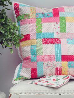 partial seam pillow tutorial   Pretty by Hand   Bloglovin'