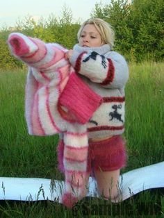 Fluffy Sweater, Angora Sweater, Gros Pull Mohair, Extreme Knitting, Turtleneck Outfit, Thick Sweaters, Puffy Jacket, Mantel, Women's Fashion