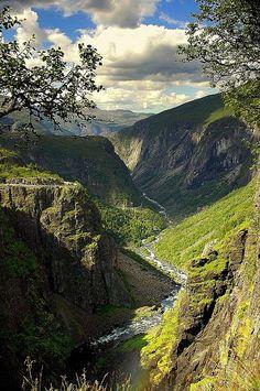 Noruega - Casacadas de Voringsfossen cerca de Eidfjord