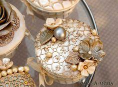 White & Gold-Hochzeitstorten