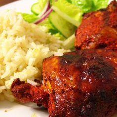 El día de hoy compartimos una receta deliciosa para preparar una de las aves preferidas en la comida mexicana, hablo del pollo para el que existen una gran Summer Chicken Recipes, Mexican Chicken Recipes, Easy Cooking, Cooking Recipes, Healthy Recipes, Cooking Ideas, Healthy Food, Achiote Chicken, Garlic Chicken