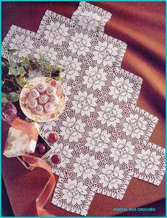 Advertise You Crochet Business On Social Media Crochet Art, Filet Crochet, Crochet Motif, Vintage Crochet, Crochet Doilies, Crochet Toys, Crochet Patterns, Crochet Table Runner, Crochet Tablecloth