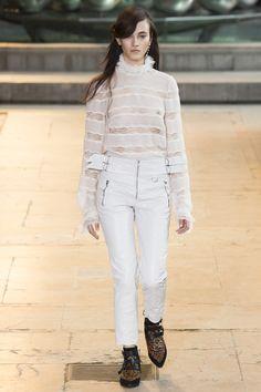 Isabel Marant Fall 2016 Ready-to-Wear Fashion Show - Greta Varlese (Elite)