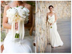 Pure white peony bouquet | LILLA BELLO
