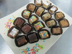 productoscoctel2017: Minichurrascos minisopaipillas empanaditas mixtas ... Pisco Sour, Fiesta Baby Shower, Chile, Muffin, Breakfast, Desserts, Food, Fruit Skewers, Pastries
