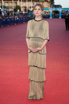 Clémence Poésy Annonce Sa Grossesse Sur le Tapis Rouge du Festival du Film de Deauville