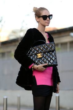 Chiara Ferragni, The Blonde Salad fashion blogger wearing Chanel the.biggest.ever! l wantering.com