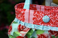 Sewing: Short & Sassy Pleated Handbag