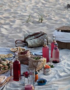 Must Haves – Beach Picnic Essentials | eatwell101.com