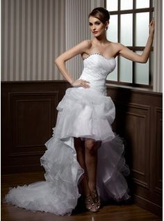 Forme Princesse Bustier en coeur Traîne asymétrique Organza Robe de mariée avec Emperler Motifs appliqués Dentelle Robe à volants
