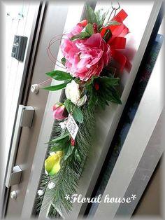 Floral houseオリジナル お正月飾りアーティフィシャルフラワー(造花)でお正月飾りを作りました。毎年恒例の人気作品です直径が約15cmもある芍薬を...|ハンドメイド、手作り、手仕事品の通販・販売・購入ならCreema。