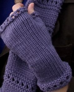 These free knitting patterns are quick and easy! Make these beginner Montgomery Fingerless Mitts for a fashion-forward way to stay warm in the cold weather.