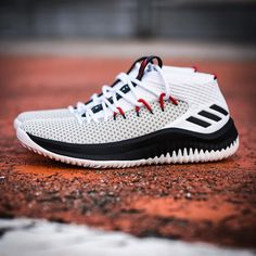 quality design 9f6df 335c0 adidas Dame 4