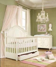 klassische Einrichtung  Babyzimmer Kronleuchter-Babybett Himmel