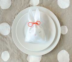 DIY easy bunny candy pouch