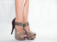 Sapato Peep Toe Torricella - Referência 35.826