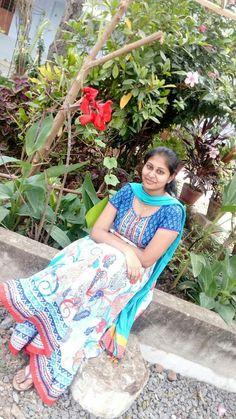 Beautiful Indian Brides, Beautiful Saree, College Girl Photo, Hot Girls, Beautiful Girl Photo, Gorgeous Women, Beautiful Heroine, Buxom Beauties, Girl Number For Friendship