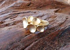 Gold Bubble Ring Handmade Shop, Ring Designs, Vintage Items, Gemstone Rings, Bubbles, Stud Earrings, Etsy, Art Market, Diamond