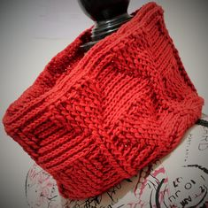 10 FREE Valentine's Crochet Patterns: Clothing and Accessories: Valentine's Crochet Cowl Free Pattern