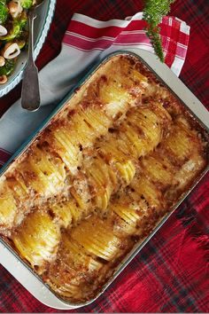 Hasselback Potato Gratin Recipe Were here to teach you the art of come-in-from-the-cold cuisine. This Hasselback Potato Gratin recipe is easy and makes for the perfect Christmas side dish. Hasselback Potatoes, Thanksgiving Side Dishes, Thanksgiving Recipes, Holiday Recipes, Dinner Recipes, Christmas Recipes, Holiday Meals, Meal Recipes, Gratin