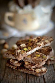 Sweet Gula: Biscotti de Alfarroba, Tâmaras e Pistachio