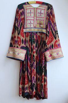 f2844e1859be Kuchi Dress Vintage   Afghani Embroidered Folk Dress   bohemian gypsy  Goddess