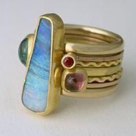 Jewellery by the contemporary jewellery designer ALAN VALLIS