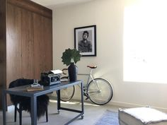 Bob can make any space cool! #platformhomestaging #office #bobdylan #homestaging #interiordesign #scandidesign (at Silver Lake, Los Angeles)