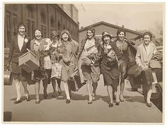 Ingenues arrive, Central Station, Sydney, 1928-1929 / by Sam Hood | Flickr - Photo Sharing!