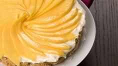 Exotischer Genuss: Mangokuchen mit weißer Schokoladencreme | http://eatsmarter.de/rezepte/mangokuchen-mit-weisser-schokoladencreme