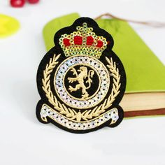 Popular patch Cute Crown Golden Sequins Patches Kids clothes men Motif applique Embroidered iron on patches for clothing hot Diy Patches, Iron On Patches, Sequin Patch, Clothing Patches, Applique, Free Clothes, Travel Size Products, Sewing Crafts, Arts And Crafts