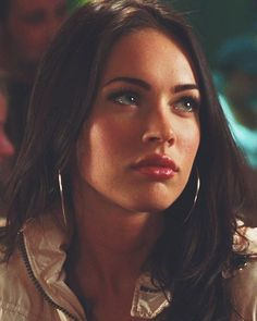 Image about megan fox in 💄 beauty by Patinka on We Heart It Megan Fox Fotos, Megan Fox Sexy, Style Megan Fox, Megan Denise Fox, Megan Fox Young, Megan Fox Pictures, Jennifer's Body, Shotting Photo, Photographie Portrait Inspiration