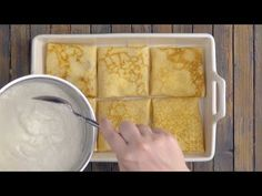 crepes_It Looks Like An Ordinary Casserole, But What's Inside Is Soooo Much Bet. French Pancakes, Thin Pancakes, Crepes, Casserole Dishes, Casserole Recipes, Keto Cream Cheese Pancakes, Weight Watchers Pancakes, Pancake Roll, Salsa Bechamel