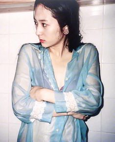 Krystal Jung Poses in the Bathtub for Collab Project with June One Kim Krystal Fx, Jessica & Krystal, Jessica Jung, Korean Women, South Korean Girls, Krystal Jung Fashion, Red Velvet Joy, Pretty Females, Sulli