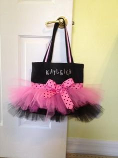 Sewing: Tutu tote bag {CH NOTE: for all those little girls in dance/ballet!}: